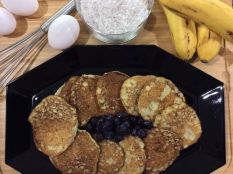 Banana pancakes w coconut flour