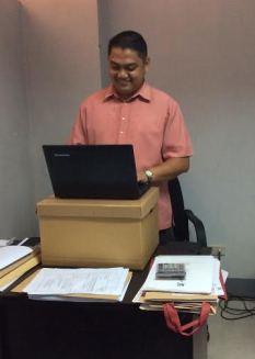 Davao_Philinsure_Rey_standup_desk