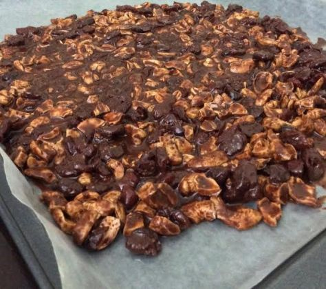 Dark Chocolate Fruit and Nut Crunch4