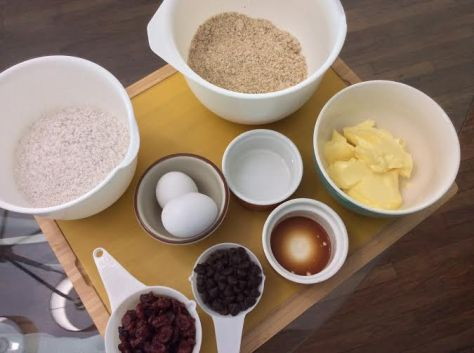 Primed Fruit & Nut Cookie Ingredients