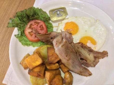 Kitchen 1B breakfast